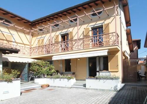 Villa Perla, Lucca