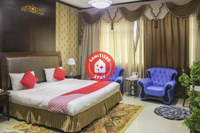 OYO 137 Clifton International Hotel,