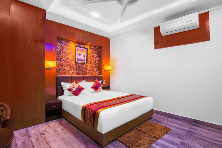 OYO 435 Hotel Intourist Palace, Koshi