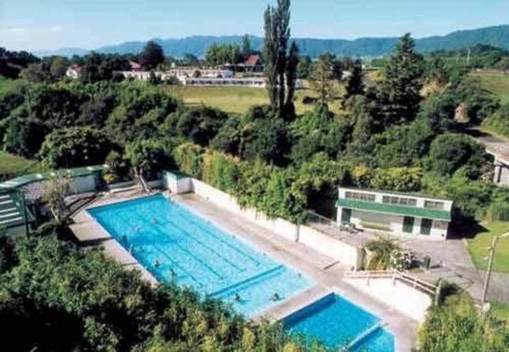 Opal Hot Springs & Holiday Park, Matamata-Piako