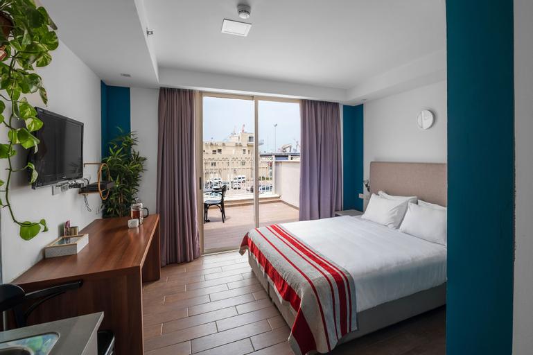 Maris Hotel,