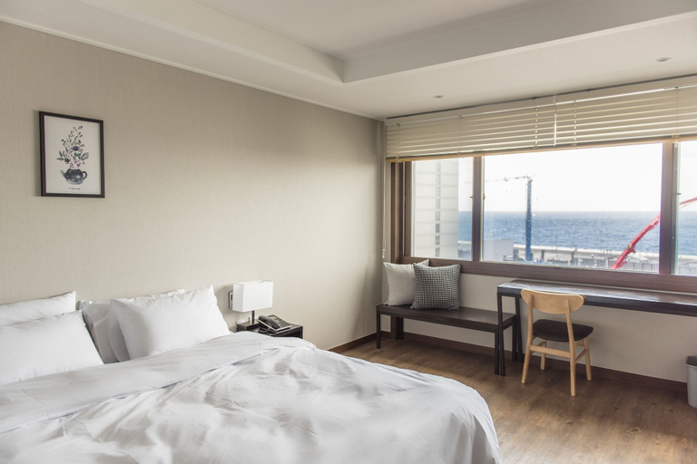 Check Inn Hotel Jeju, Jeju