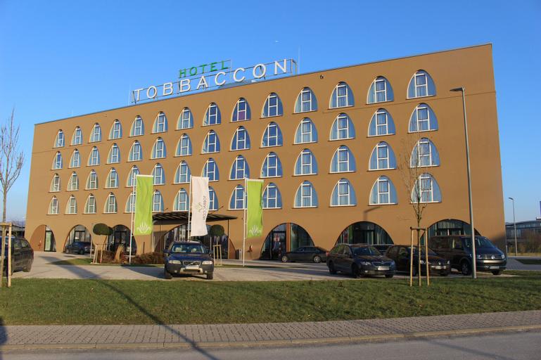 Tobbaccon Hotel, Bergstraße