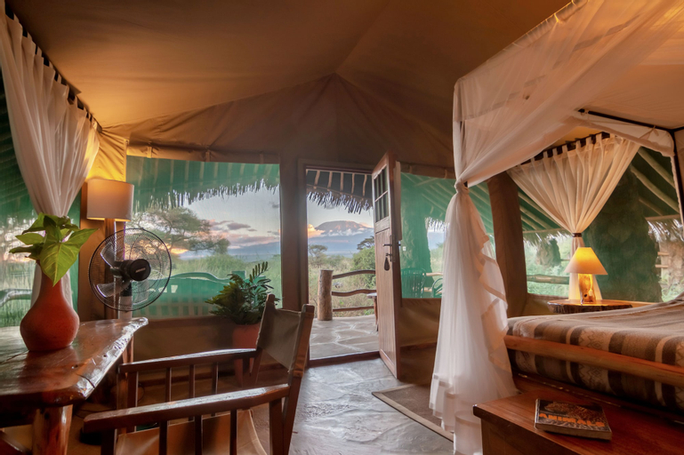 Kibo Safari Camp, Kajiado South