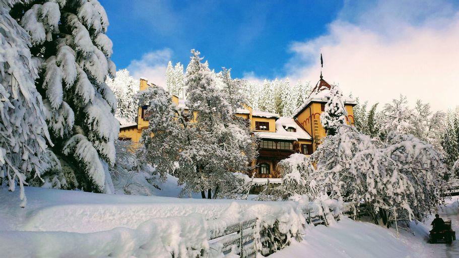 Valcastello Dolomites Chalet & Polo Club, Bolzano