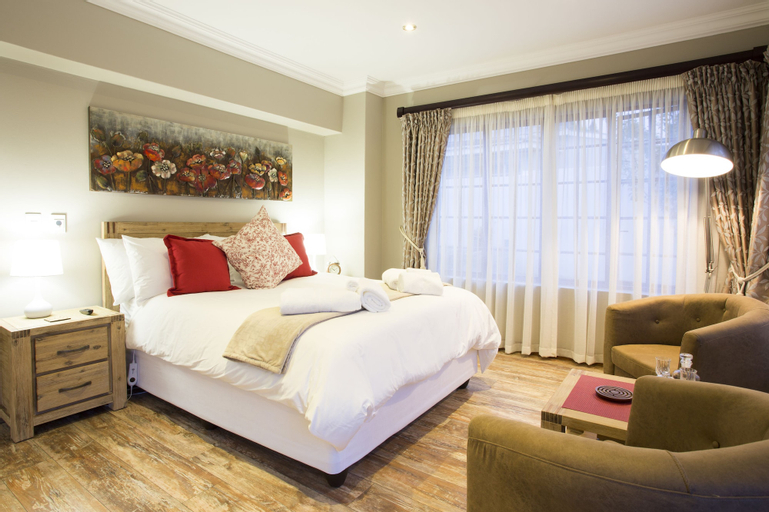 The Browns' Luxury Guest Suites, Nkangala