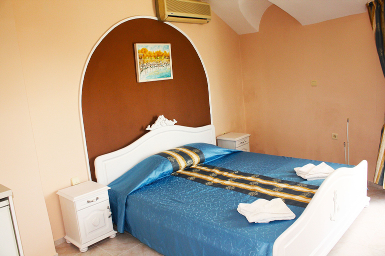 Hotel Paros II, Pomorie