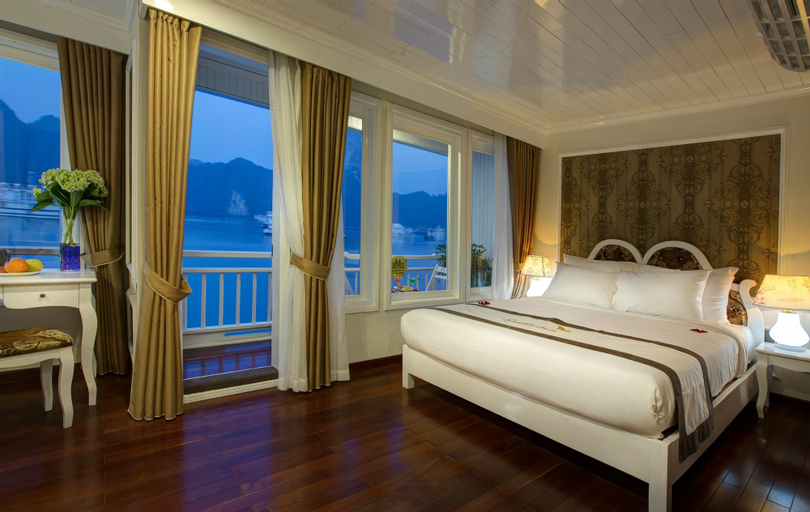 Signature Royal Halong Cruise, Hạ Long