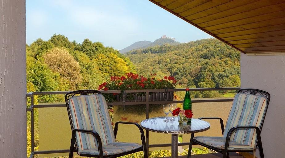 Gaststätte - Pension Trifelsblick, Südliche Weinstraße