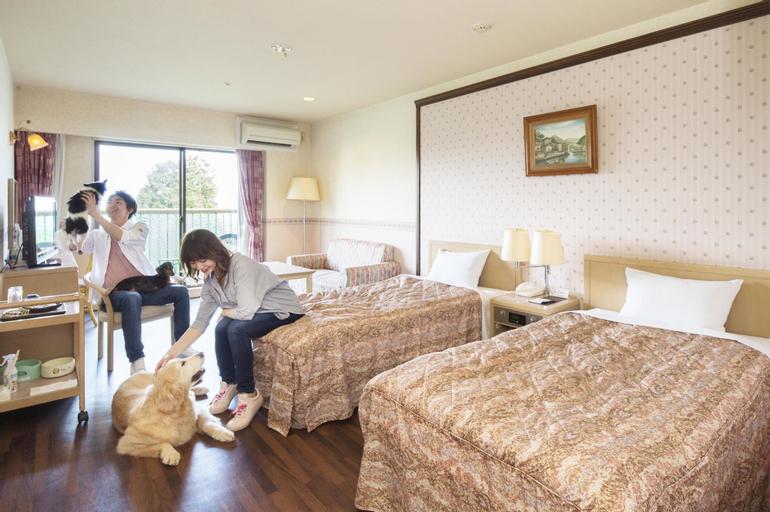 Izumigo Izukogen Dog Paradise Hotel, Itō