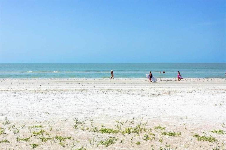 Estero Island Beach Villas 204 - Two Bedroom Condo, Lee