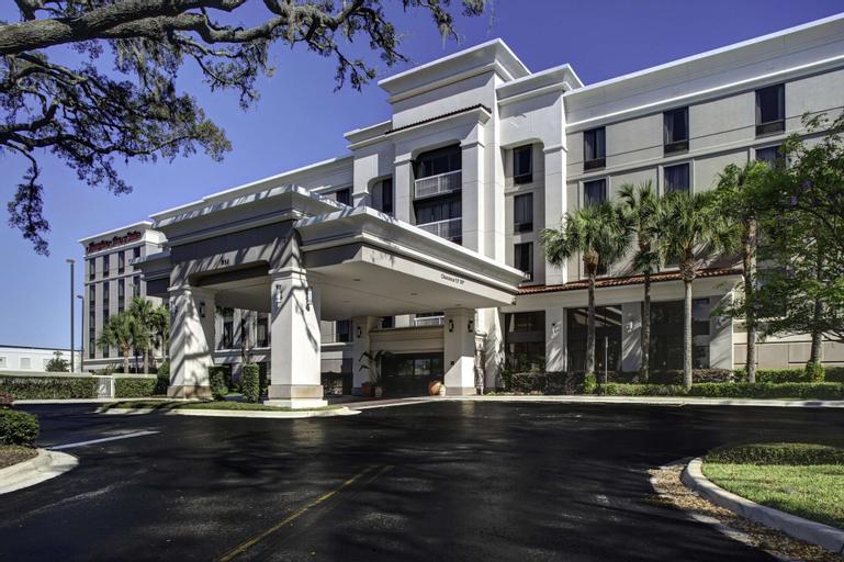 Hampton Inn & Suites Lake Mary At Colonial Townpark, Seminole