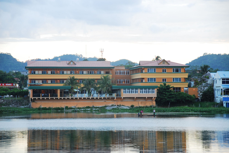 Best Western Peten Esplendido Hotel & Conference Center, Flores