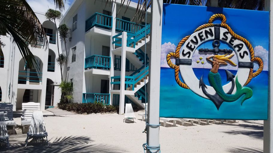 Seven Seas Resort,