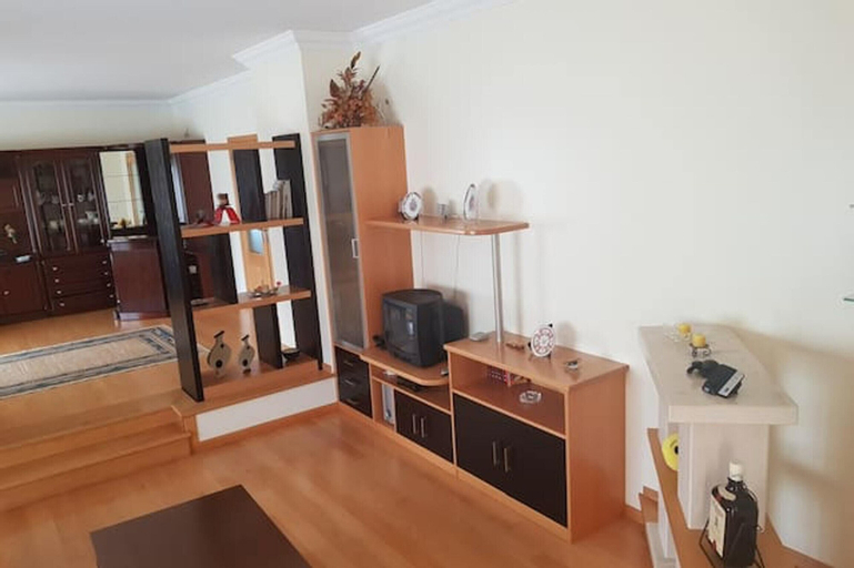 House With 4 Bedrooms in Leiria, With Enclosed Garden and Wifi, Ansião