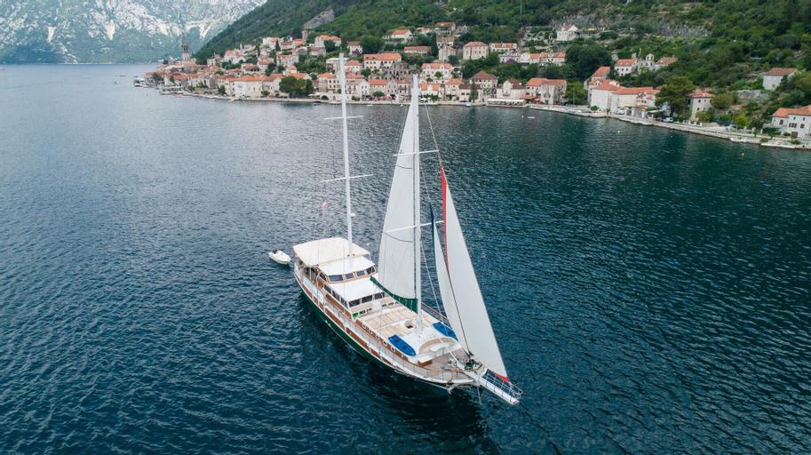 Dm Yachting - 7 Night Cruise Sun-Sun,