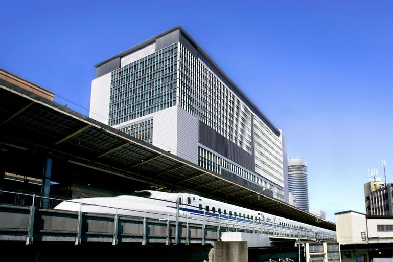 Associa Shin Yokohama, Yokohama