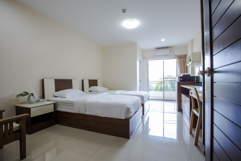 Central place serviced apartment 1, Muang Chon Buri