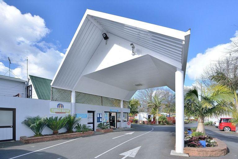 Auckland Northshore Motels & Holiday Park, Waitakere
