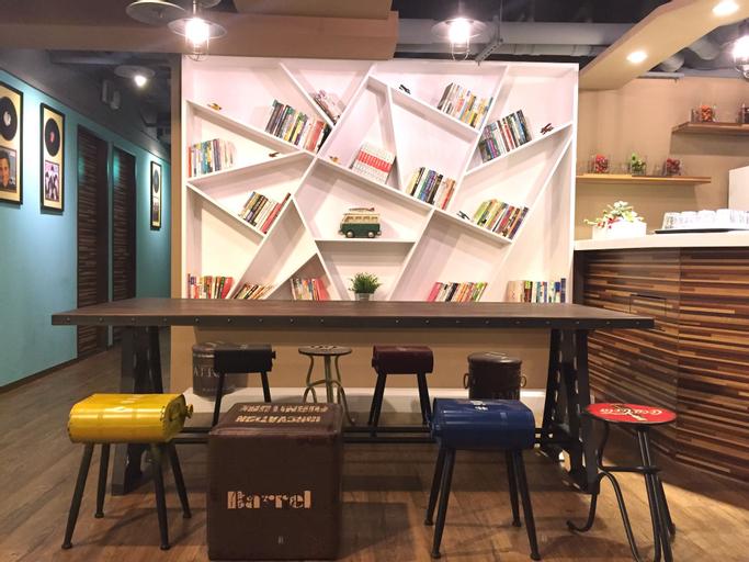 I PLAY Inn, Taipei City