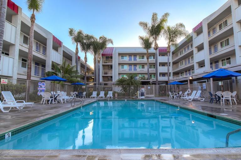 Motel 6 Anaheim Maingate, Orange