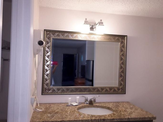 Lantern Inn & Suites, Manatee