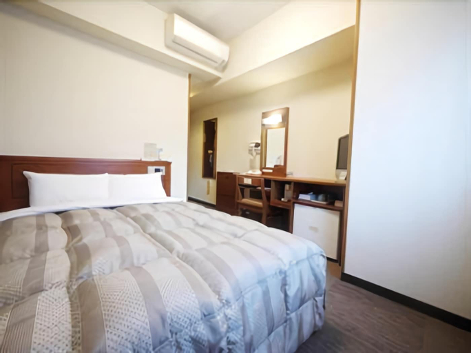 Hotel Route-Inn Tosu Ekimae, Tosu