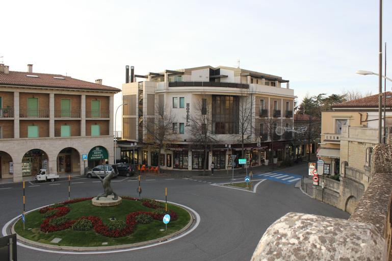 Hotel Joli,