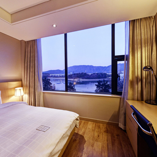 Hotel Avenue, Changwon