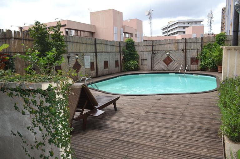 Hotel Merina, Mfoundi