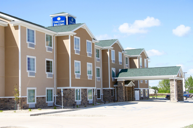 Cobblestone Hotel & Suites – Devils Lake, Ramsey