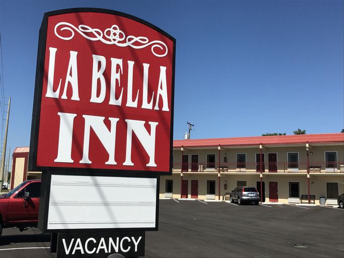 La Bella Inn, Lake