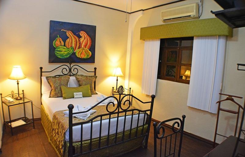 Hotel Los Balcones Leon, León