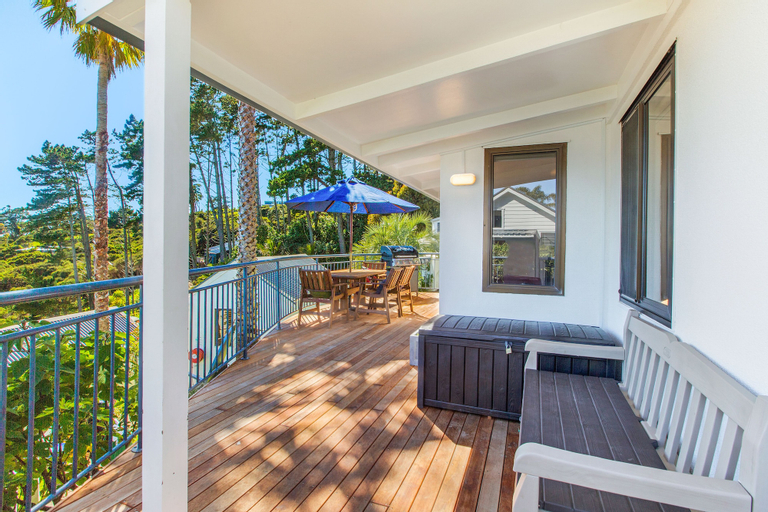 Villa Topaz, Auckland