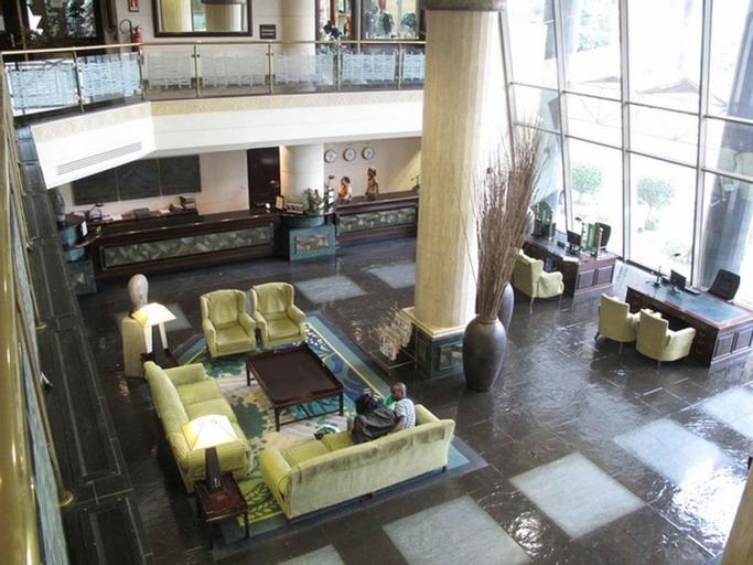 Hotel Alvalade, Maianga