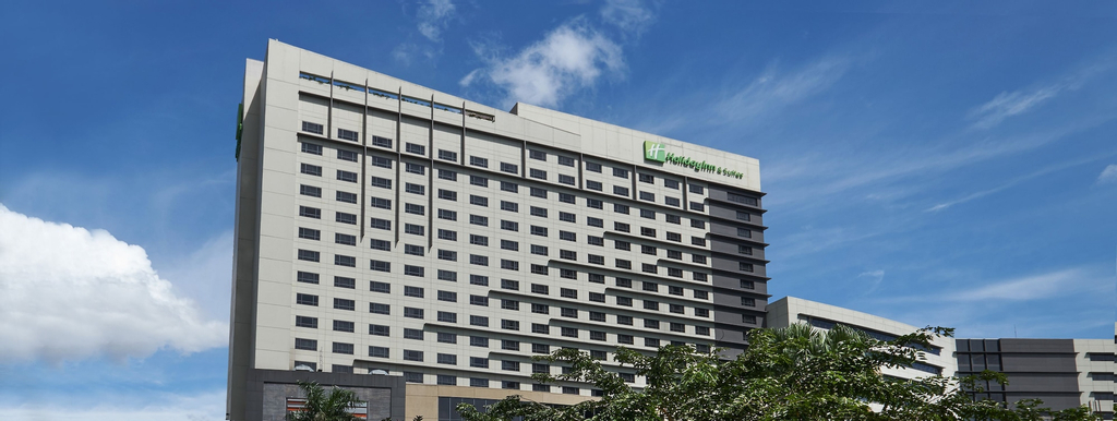 Holiday Inn & Suites Makati, Makati City