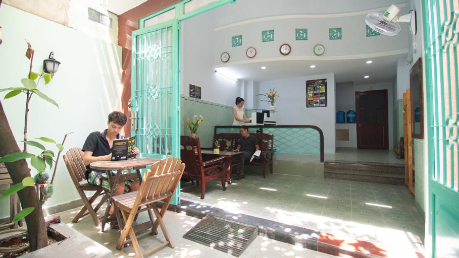 Language Exchange Hostel 2, Quận 3