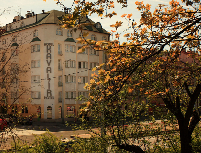 Hotel Kavalir, Praha 5