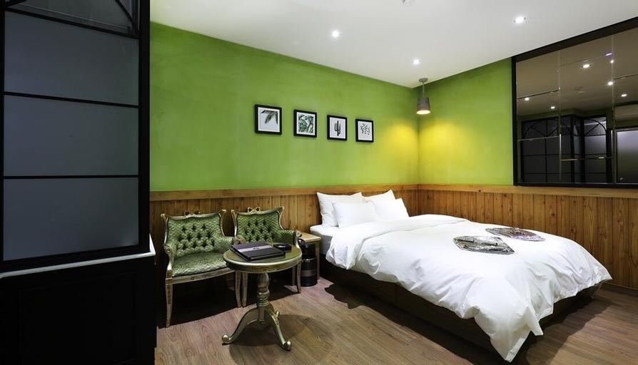 Gwangmyeong W Hotel, Geum-cheon