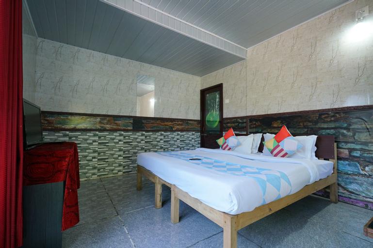OYO 26823 Hotel Krishna Greens, Mathura
