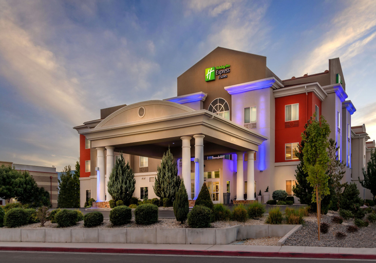 Holiday Inn Express & Suites Reno, Washoe