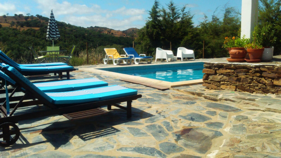 House With one Bedroom in Odemira, With Wonderful Mountain View and Furnished Garden - 15 km From the Beach, Odemira