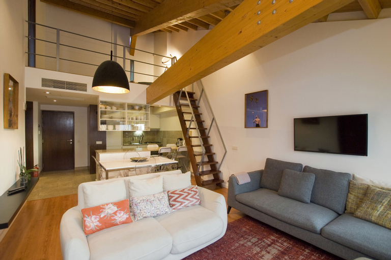 Amazing Tailor Made Penthouse With a View, Lisboa