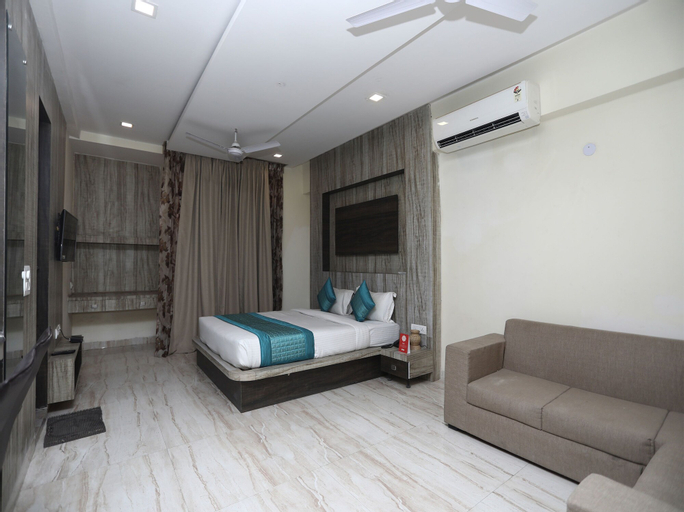 OYO 13551 Haveli Palace, Gautam Buddha Nagar