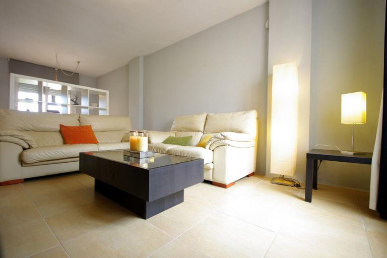 Livingtarifa - Casa adosada con 3 habitaciones, Cádiz