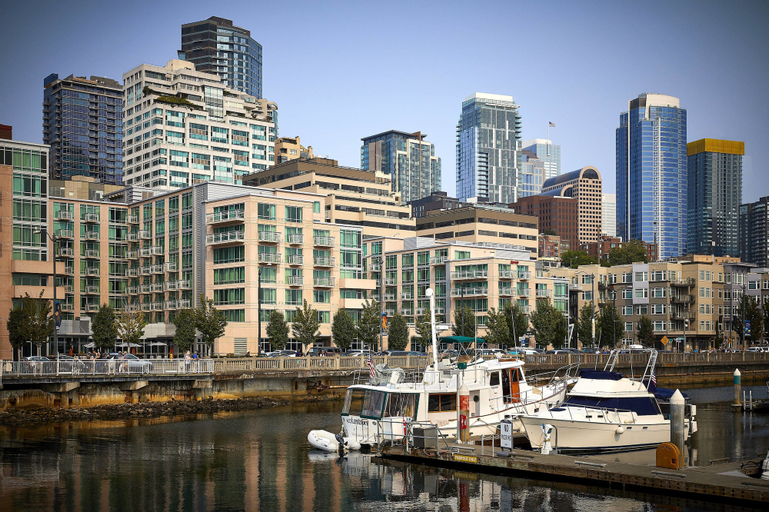 Seattle Marriott Waterfront, King