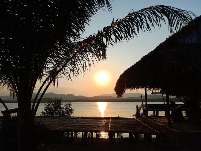 Thai-Myanmar Riverside Resort, Kra Buri