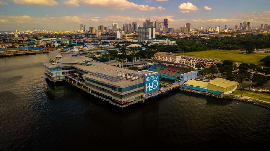 Hotel H2O, Manila