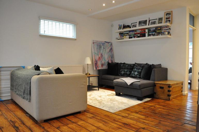 Fabulous 1 Bedroom Flat in Dalston Junction, London