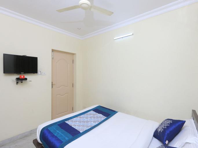 OYO 1054 Hotel AVNB Towers, Kancheepuram